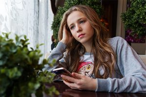 Why You Should Limit Smartphone Time For Your Teen